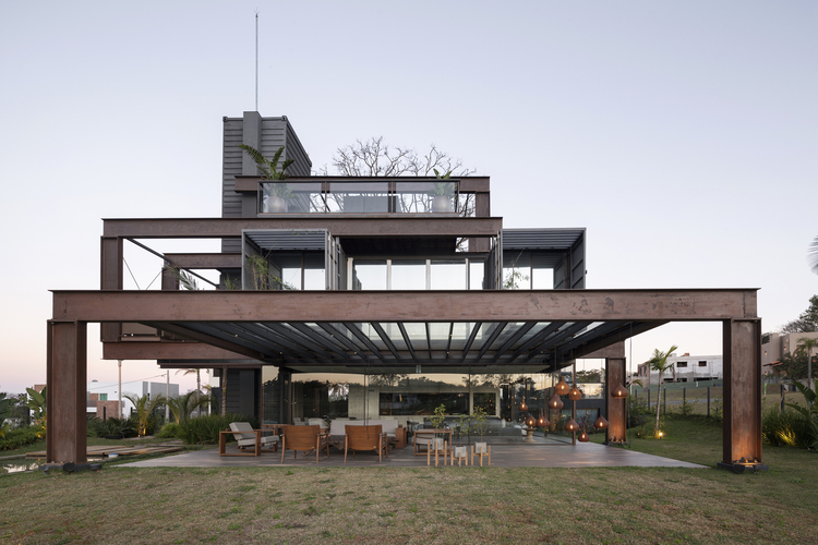 Container Laif House by BAUEN – Paraguay 1