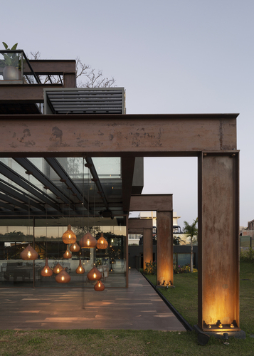 Container Laif House by BAUEN – Paraguay 8