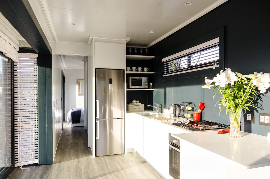 Wonderfully Designed Container House from Cape Town 18