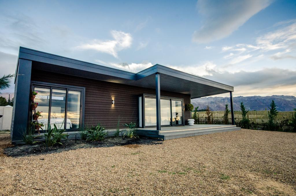 Wonderfully Designed Container House from Cape Town 5