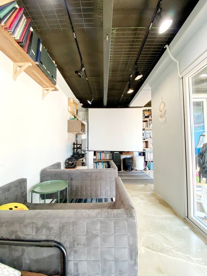 Container House Located in the Seaside Village of Seoul 22