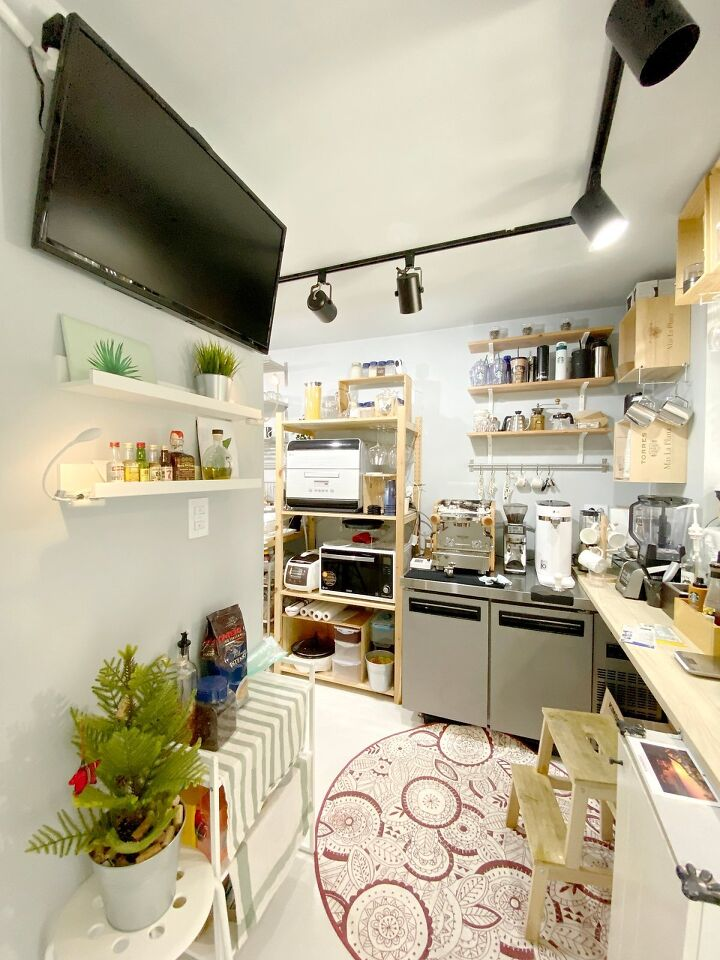 Container House Located in the Seaside Village of Seoul 28