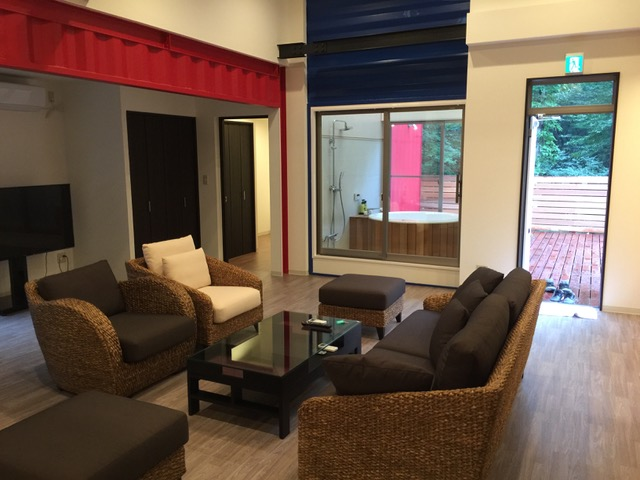 Container House Which Attracts Attention with its Design and Colors 6