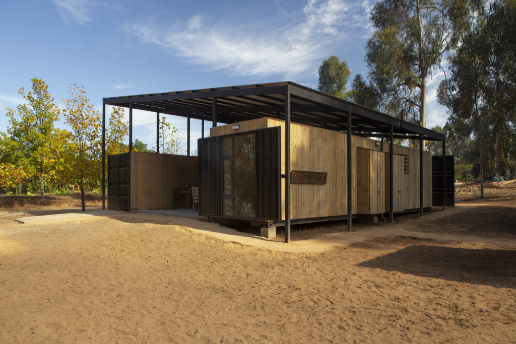 Conversion of Shipping Containers to Wonderful Home in Chile 10