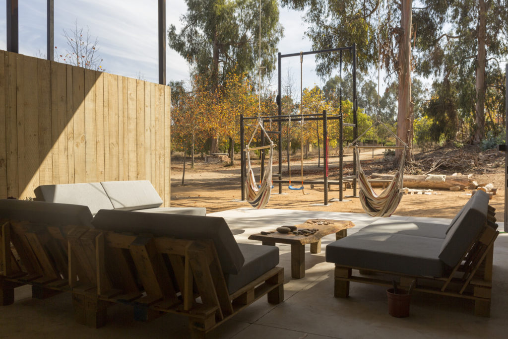 Conversion of Shipping Containers to Wonderful Home in Chile 11