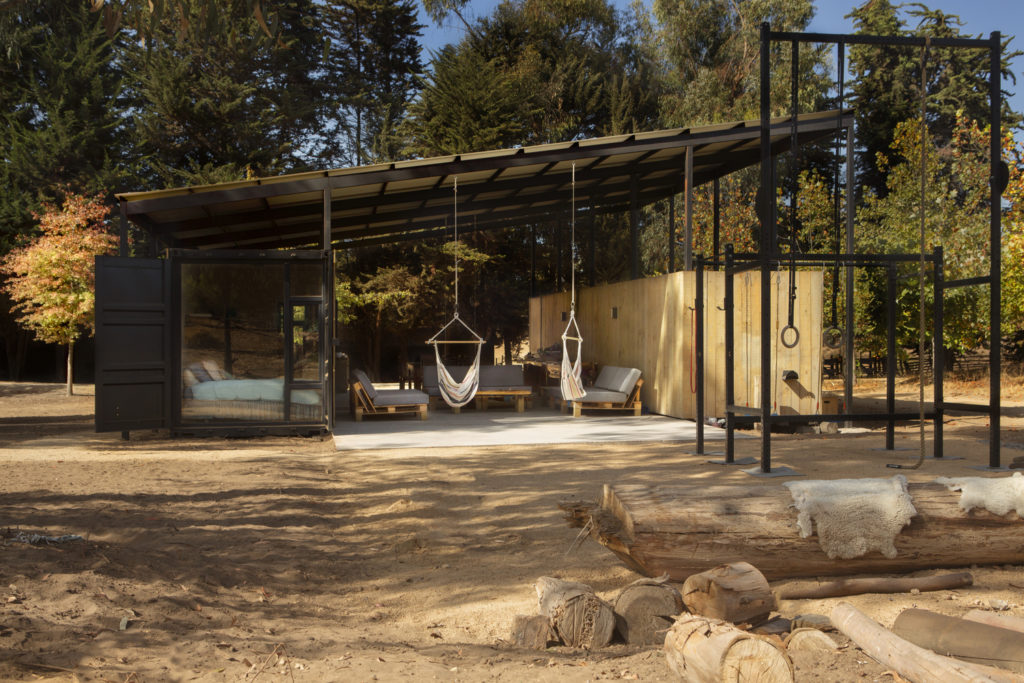 Conversion of Shipping Containers to Wonderful Home in Chile 12