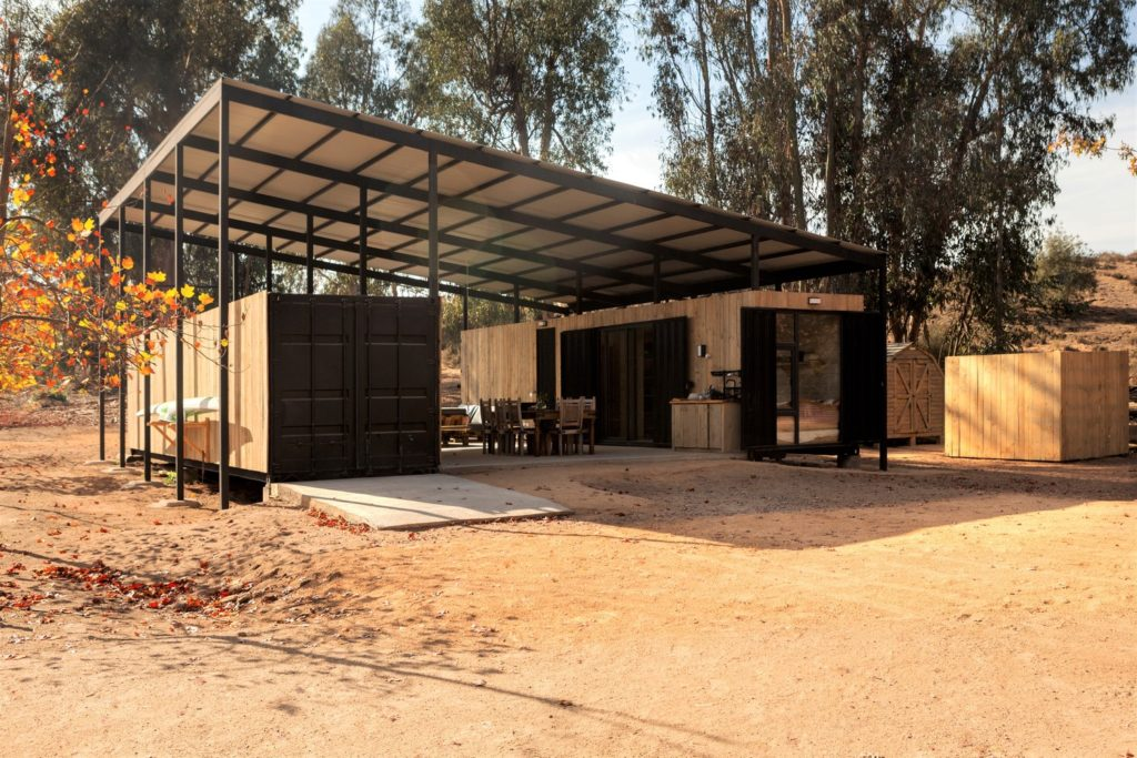 Conversion of Shipping Containers to Wonderful Home in Chile 13