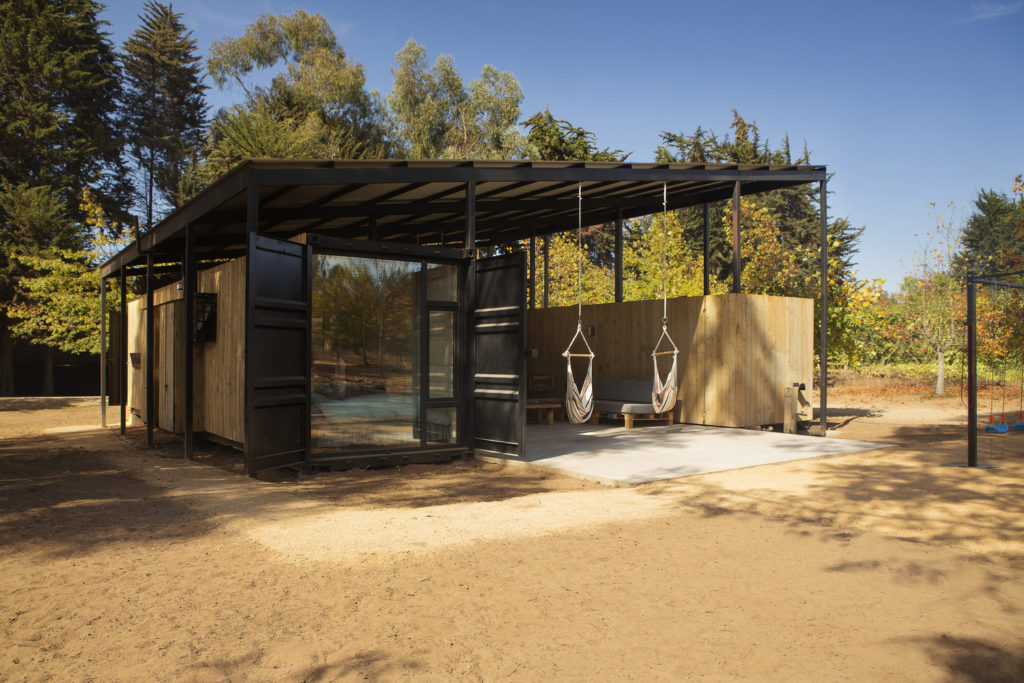 Conversion of Shipping Containers to Wonderful Home in Chile 6