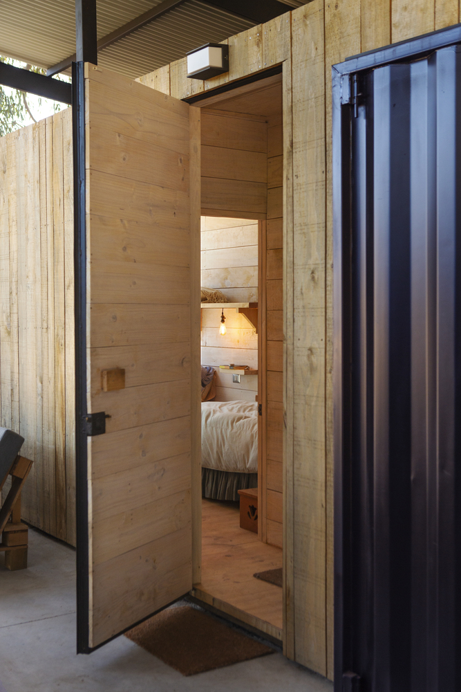 Conversion of Shipping Containers to Wonderful Home in Chile 9
