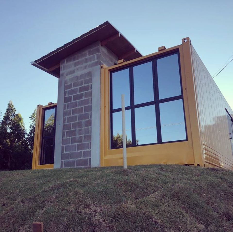 House Made with the Harmony of Concrete and Shipping Container from Brazil 2
