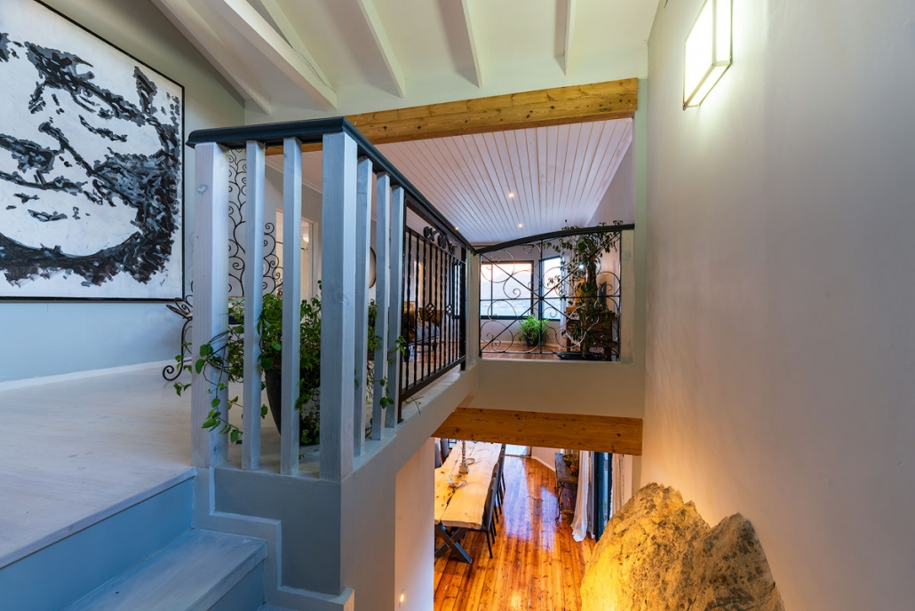 Seven Shipping Containers Convert into Super Luxury Container Home Aprox. 300.000 11