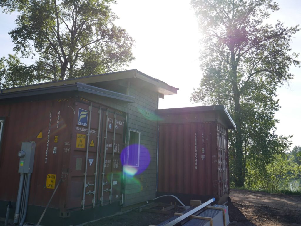 Simple But Cool Looking 175000 Container House The De Lux 34